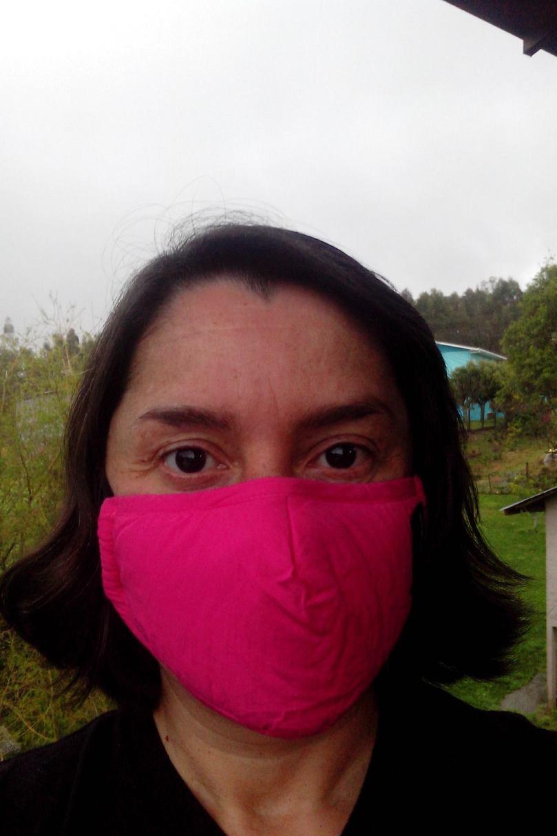 Daisy com máscara de proteção
